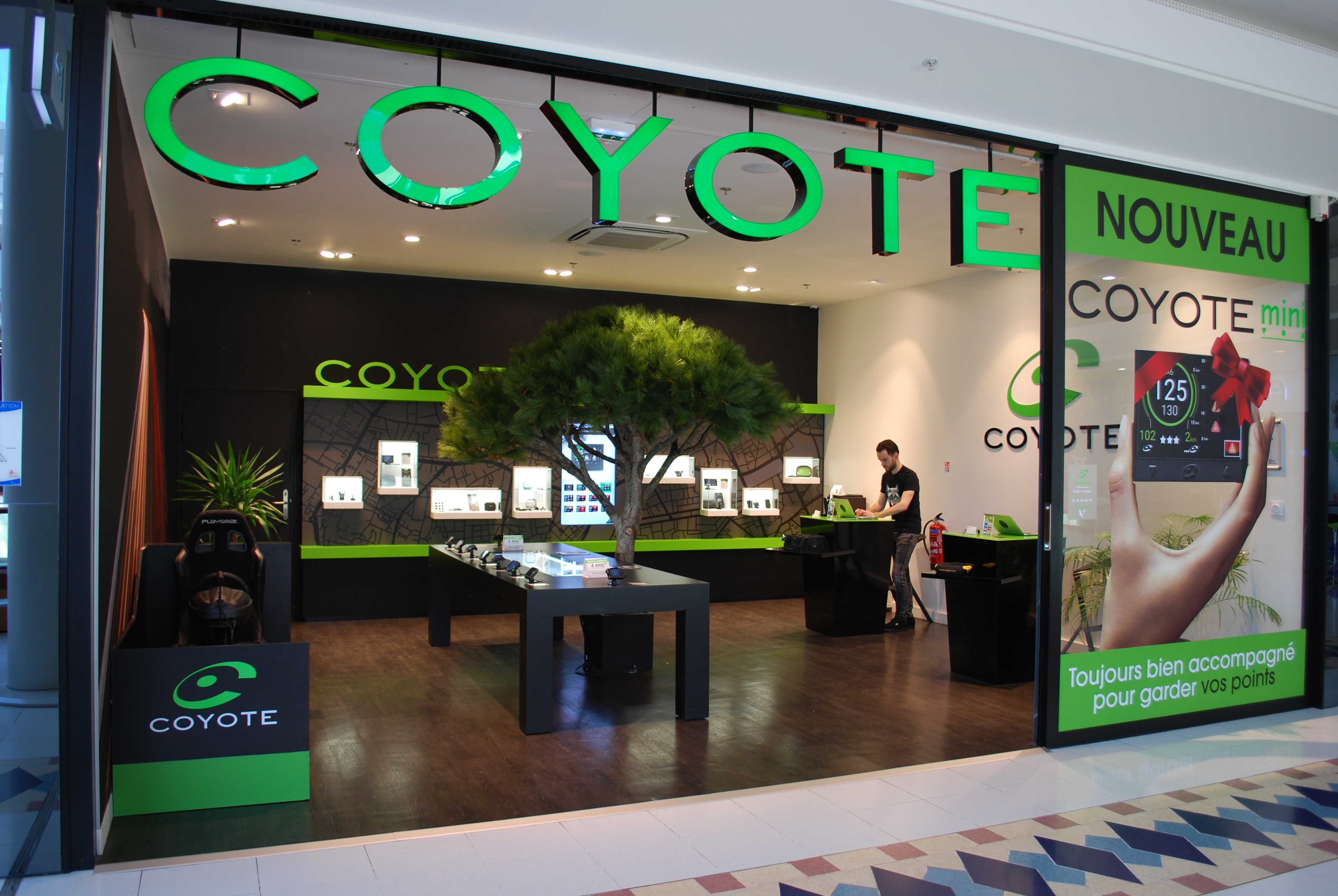 magasin coyote nantes tout l quipement du bo tier gps. Black Bedroom Furniture Sets. Home Design Ideas