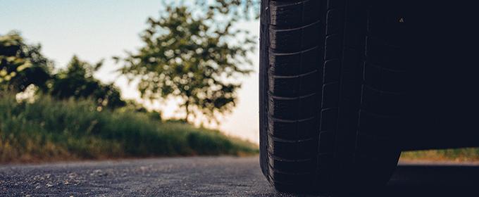 Sauf indication du constructeur, quelle est la pression conseillée pour un pneumatique de caravane ?