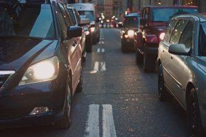 bouchons sur les routes pendant les vacances