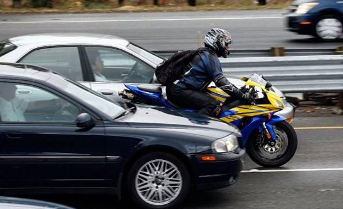 bouchons et moto
