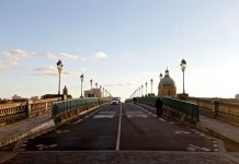 Vue sur un pont toulousain
