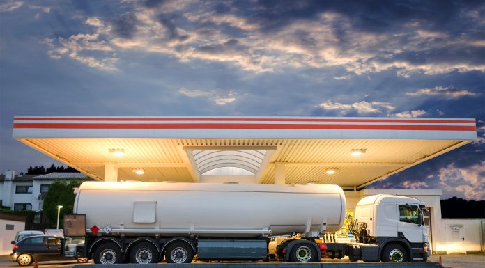 Bientôt du carburant moins cher sur les autoroutes ?
