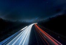 Route dans la nuit